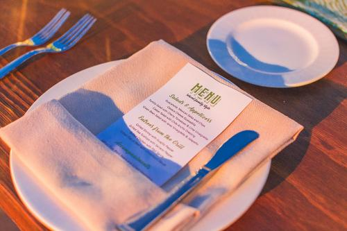 HealthNet-144 plate-and-menu